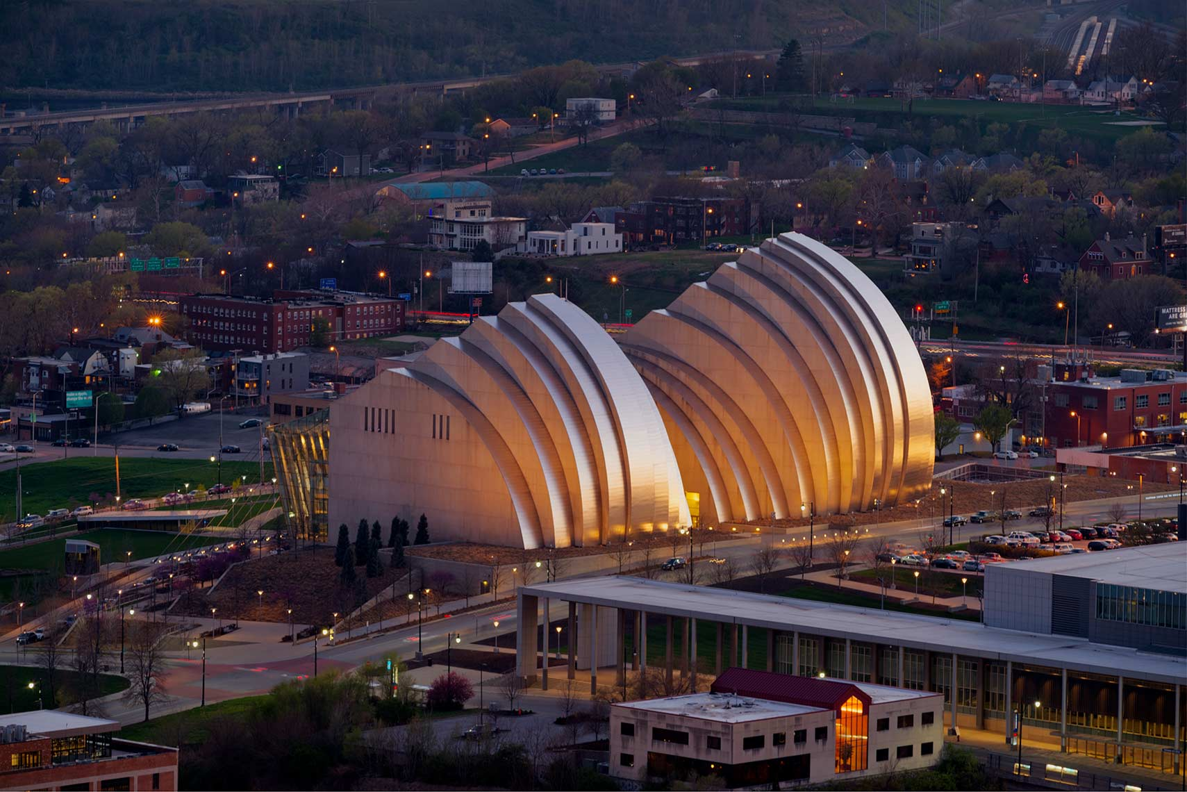 Kauffman-Center-Performing-Arts-East-side